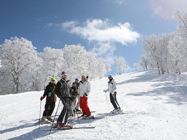 ■  夜発日帰り 野沢温泉スキー場