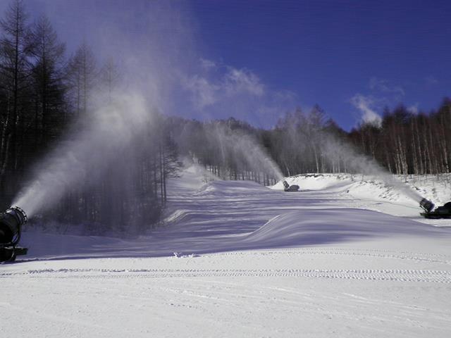 ■初すべり 朝発日帰り 八千穂高原スキー場【滞在約6時間】