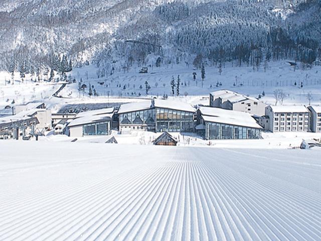 ■新幹線で行く タングラムスキーサーカス 斑尾東急リゾートホテルタングラム