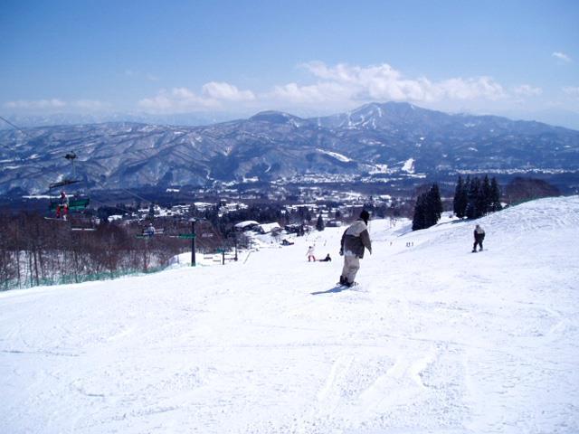 ■マイカーで行く 赤倉温泉スキー場 日帰りプラン(リフト1日券+入浴券)