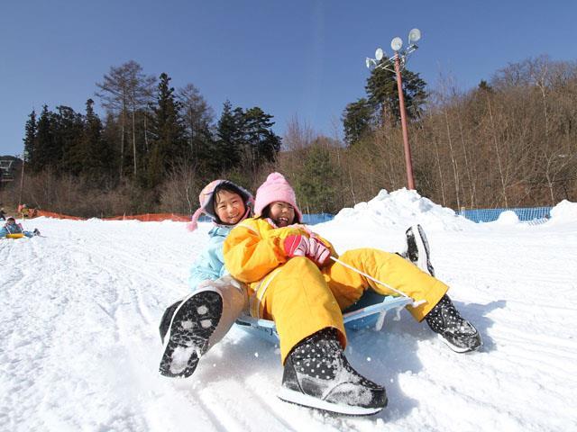 ○【朝発日帰り】レンタル安い! ♪子供と雪遊びに最適♪雪を見たい外国人の方も歓迎♪中央道伊那スキーリゾート【滞在約6時間30分・リフト券付】
